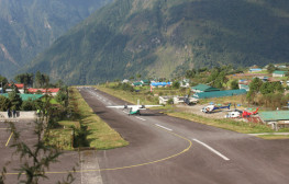 Lukla-Flight-in-April