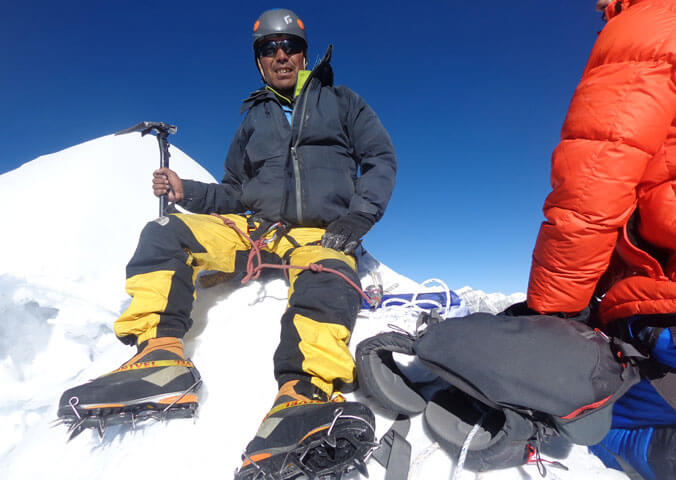 Mera-Peak-Climbing-with-Chhewang