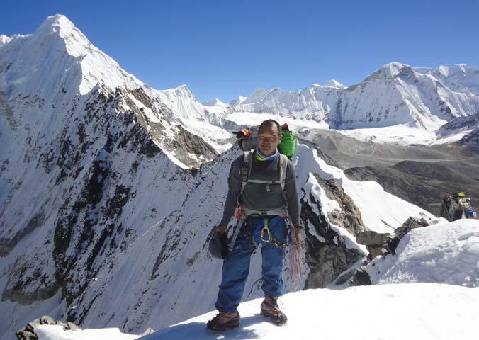 Lakpa-Dorjee-Sherpa--Mountaineering-Leader