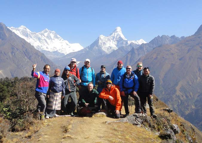 Lakpa-with-climbing-team