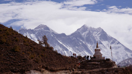 Everest-Base-Camp-Chola-pass-trek