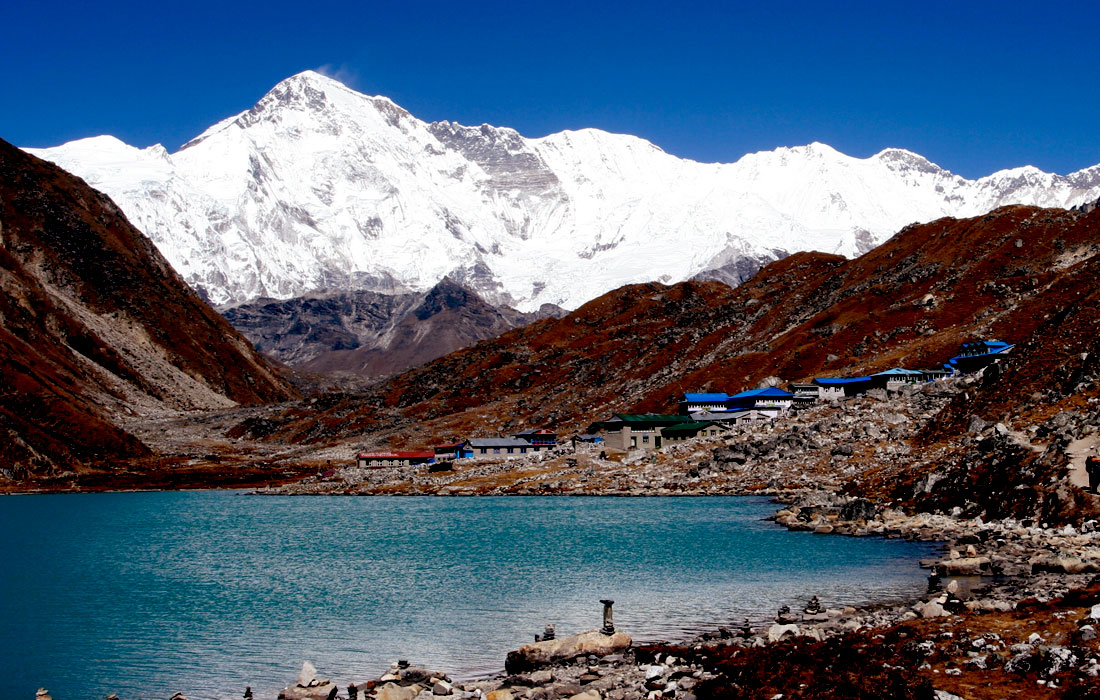 Everest Base Camp via Gokyo Lakes and Cho La Pass – An Everest adventure off-the-beaten path