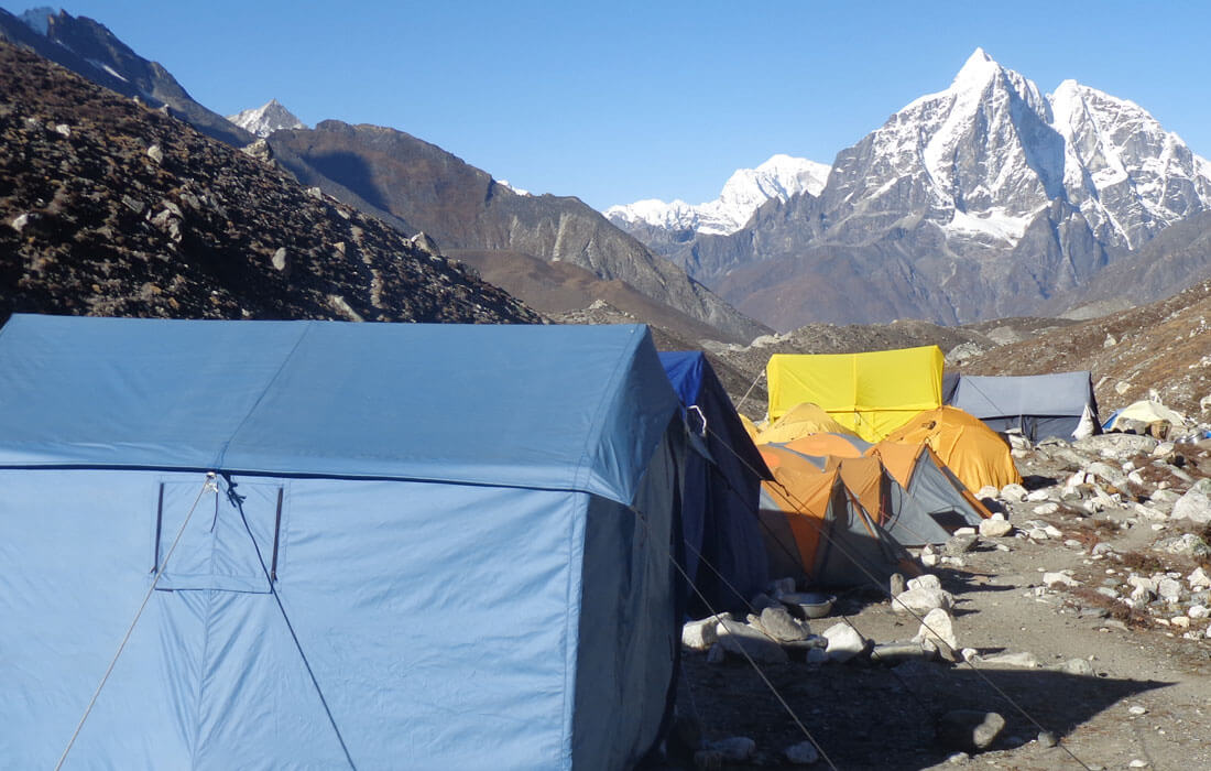 camping island peak climbin