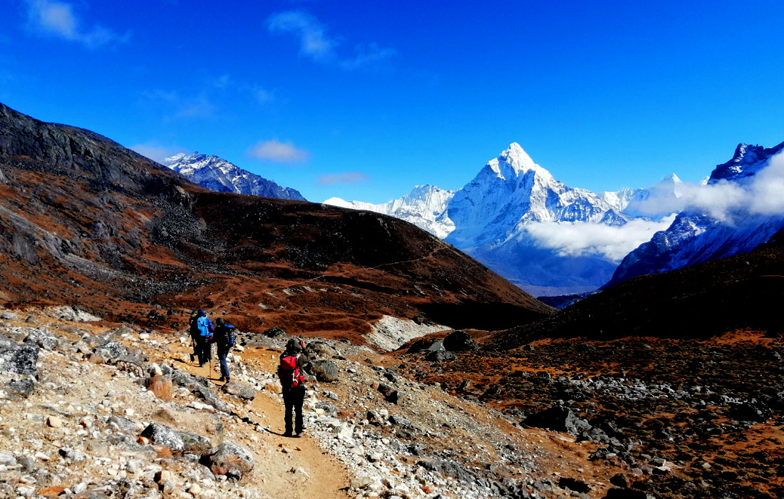 On the way to Dingboche