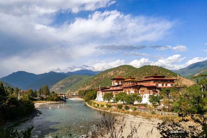 Nepal Bhutan Tour- Punakha Dzong